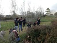 50 tècnics i 5 professors d'un curs de l'ETSEA visiten l'Arborètum per identificar males herbes en estat de plàntula